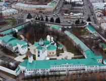 Спасо-Преображенский-монастырь-в-Ярославле-обзор